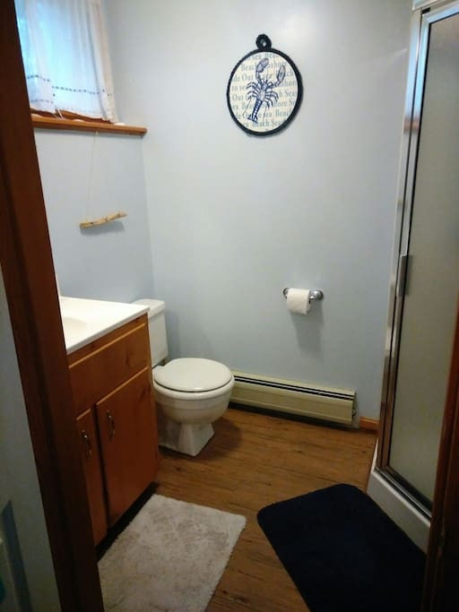 bathroom floor coverings uk cozy in unit in lower kennebunk guest suites 15867
