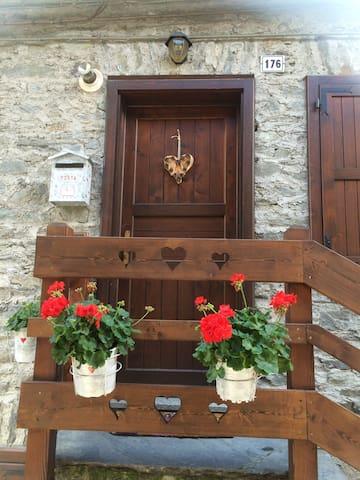 Appartamento piccolo ed accogliente - La Salle - Byt