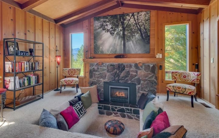 S.Lake Tahoe 2B Treehouse w/Mtn Views+Special Vibe