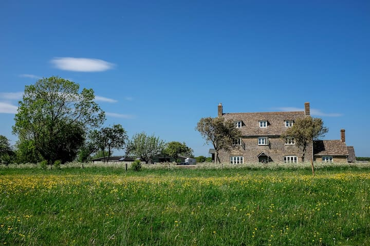 Beautiful 16th Century Farmhouse - Malmesbury - บ้าน
