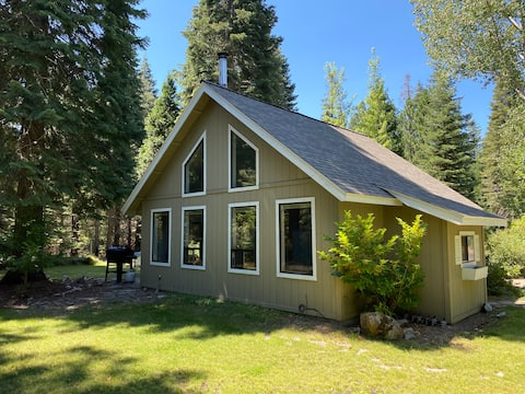 🏡🌷Clean, peaceful, private cottage on acreage🦋🌞