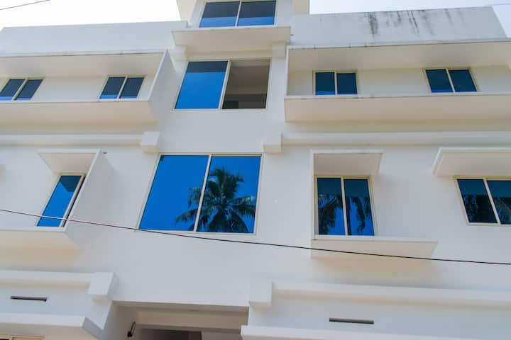 The Retreat Studio Apartments -  Lulu, Edappally