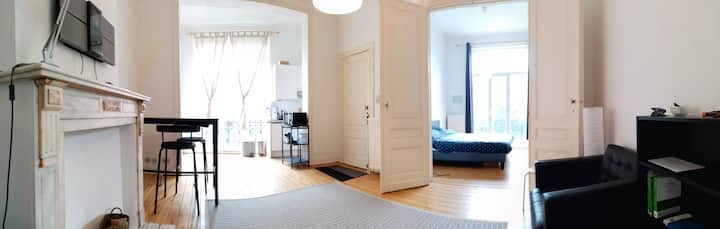 One bedroom appartement near Schuman metro station
