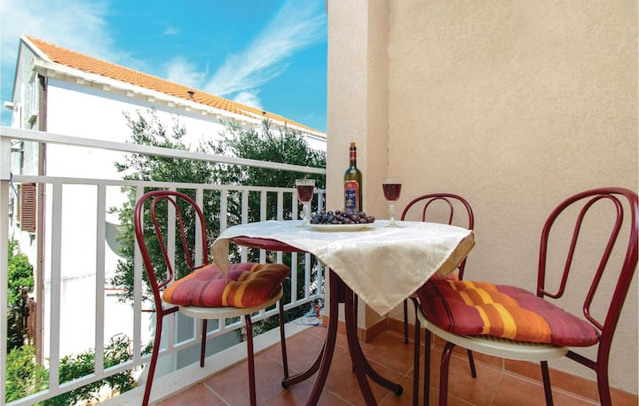 Nice home in Cavtat with WiFi and 1 Bedrooms