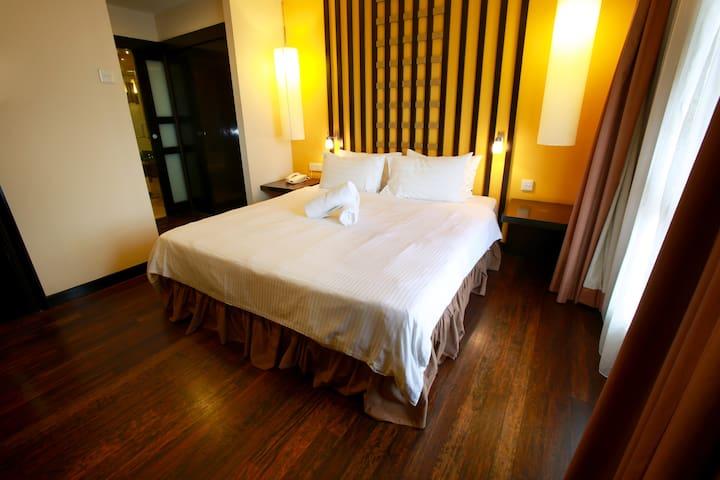 Sunway Lagoon Service Suites - Petaling Jaya - Condominium