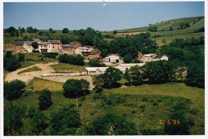 Typique maison Aveyronnaise,calme,campagne,repos!
