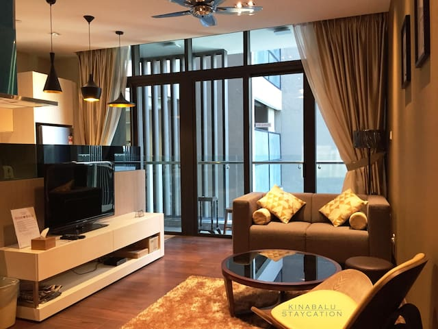 Modern & Luxury Suite @ Riverson SOHO, City Centre - Kota Kinabalu - Selveierleilighet