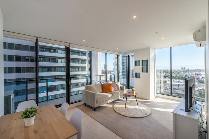 Southbank 2 Bed Apartment with View Next to Crown