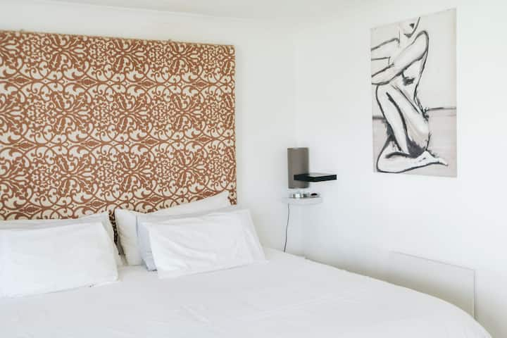 Self catering  Rondebosch Guest House