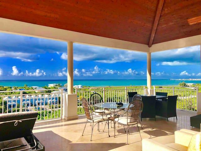 Jola's 2BR Penthouse-2400 sqft GraceBay OceanViews