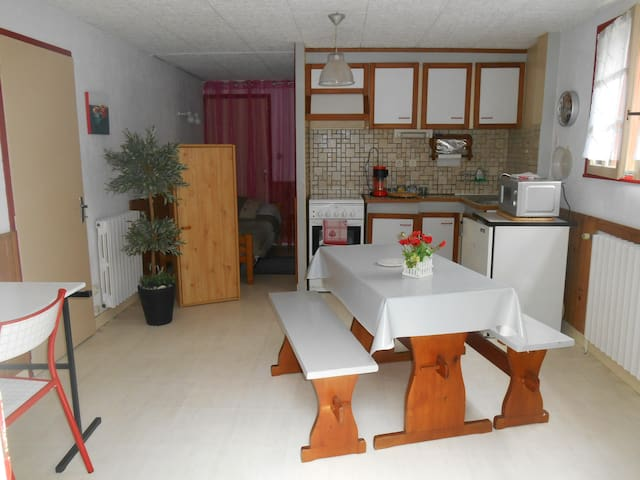 Studio in center, close train st. - Vannes - Haus