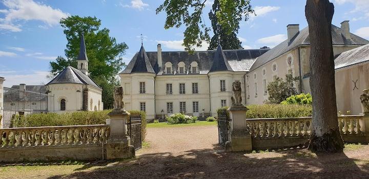 chateau 3 chambres +3 salle de bains pour 6 pers +