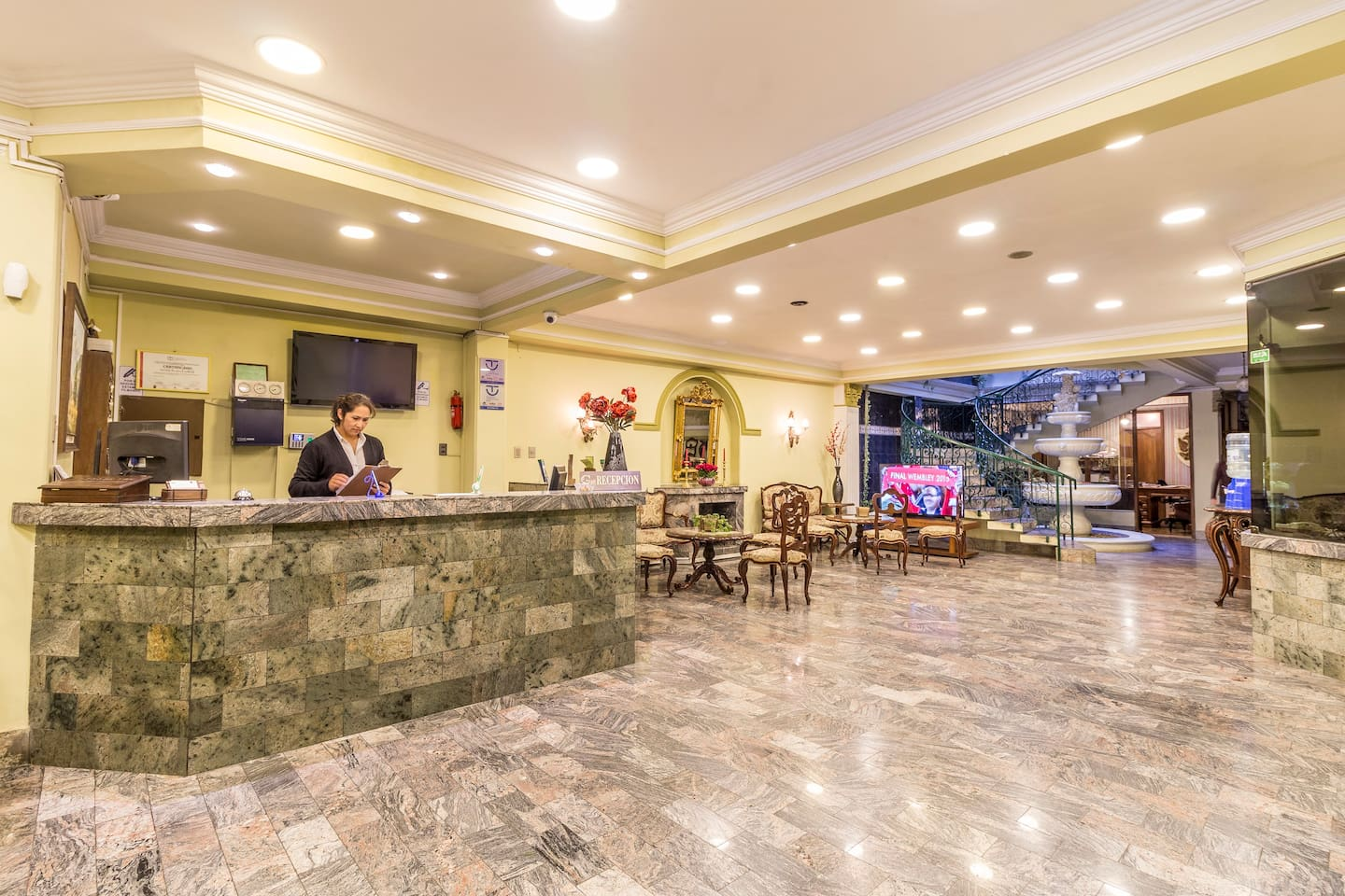 Reception Capital Plaza Hotel
