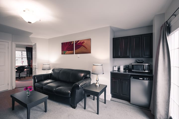 ★Charming Queen Suite@Signal Hill Brownstone★
