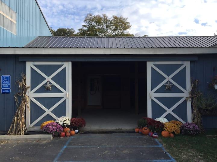 Farm View Apartment at Pleasant Ridge Farm