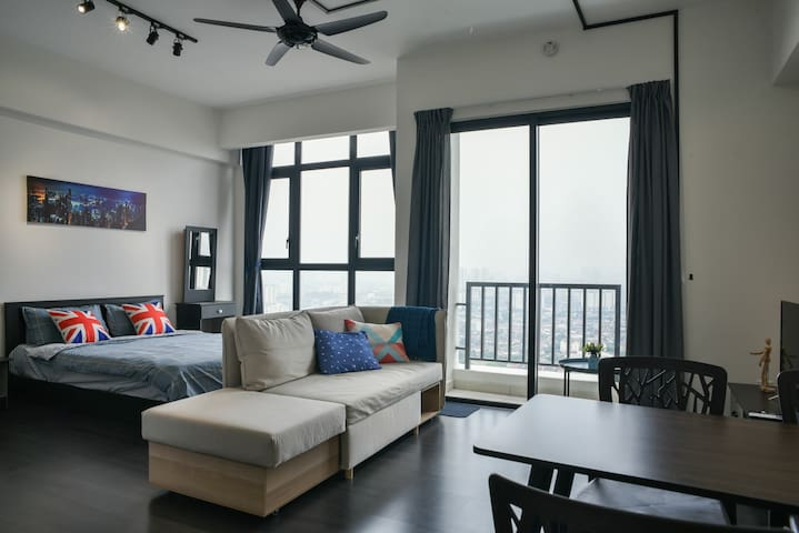Modern cozy home With Great View at Kuala Lumpur