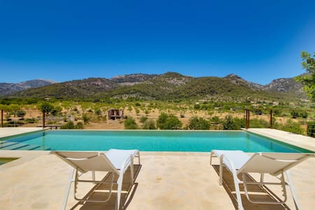 Finca Tramuntana · Pool, jacuzzi & wonderful views - Selva - Villa