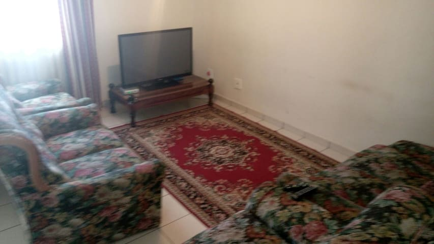 3 bedroom flat in the city centre - Mbabane