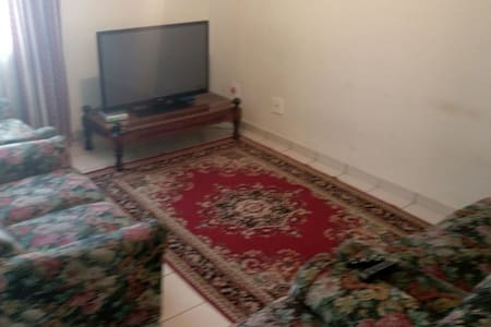 3 bedroom flat in the city centre - Mbabane - Apartamento