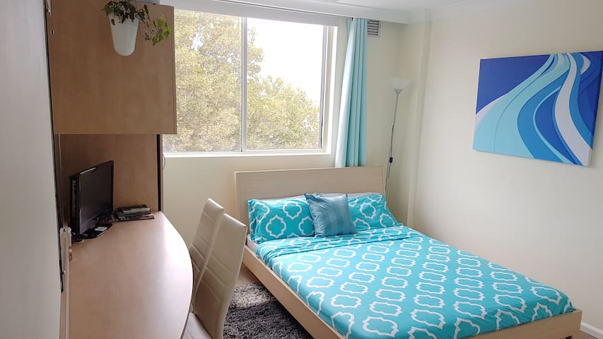 7th floor studio in the heart of Surry Hills