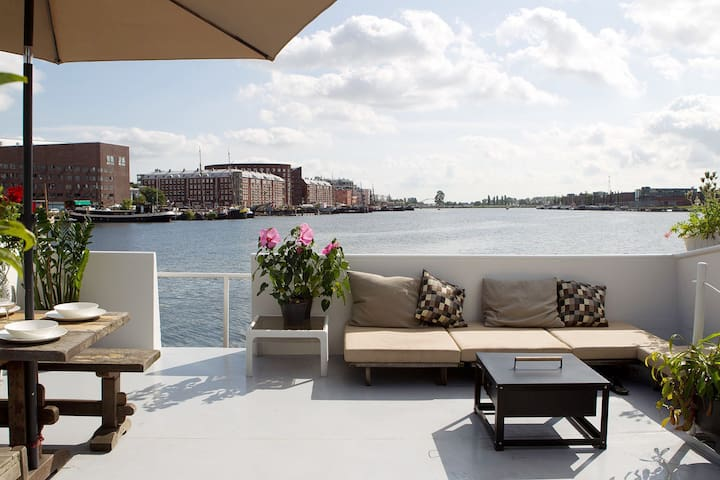 Harbour view houseboat apartm case galleggianti in for Amsterdam casa vacanza