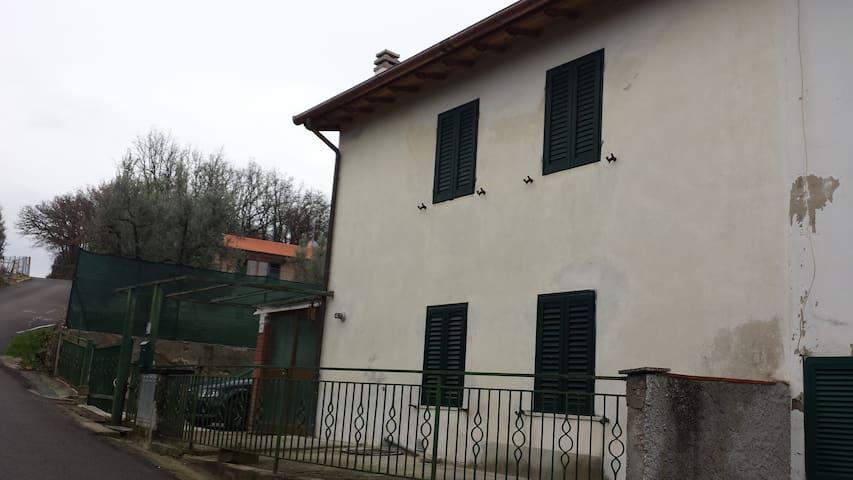 Posto in campagna,  Toscana Arezzo - Ponticino - Dům