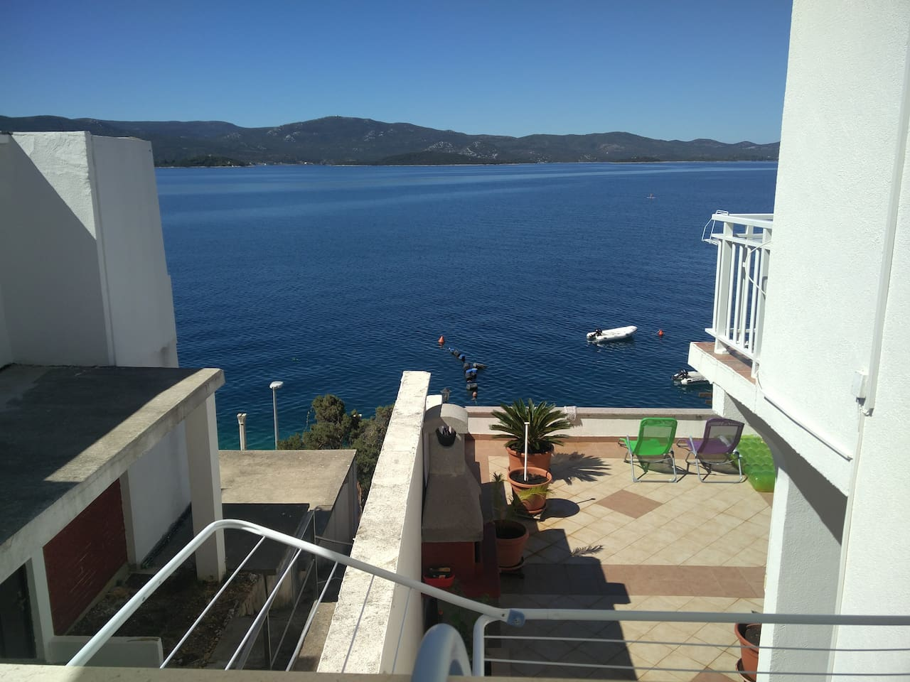 Apartment Mimi Komarna  sea view, amazing sunset, privacy and quietness