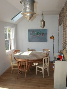 Beautiful 5 Bed Victorian Cottage - Ditchling