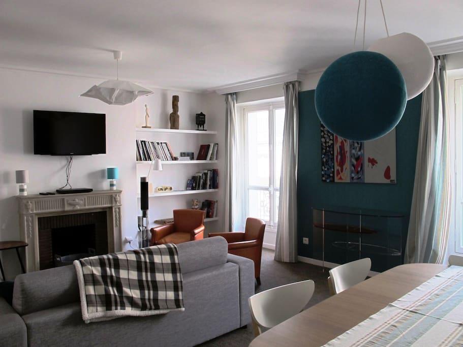 Bel appartement etoile ch elys es porte maillot for Salon porte maillot