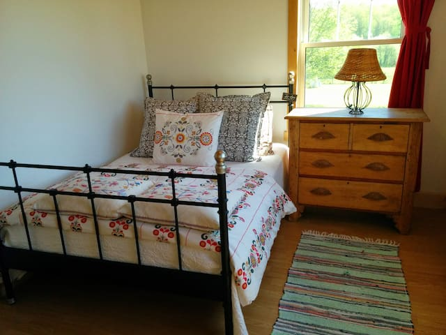 Quiet Country Room on 110 acre farm - Seguin - 獨棟