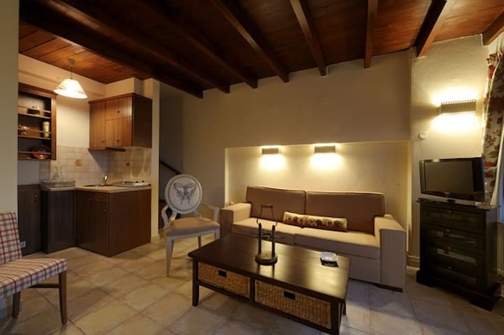 Luxurious Maisonette Mentha - Μάλες - Villa