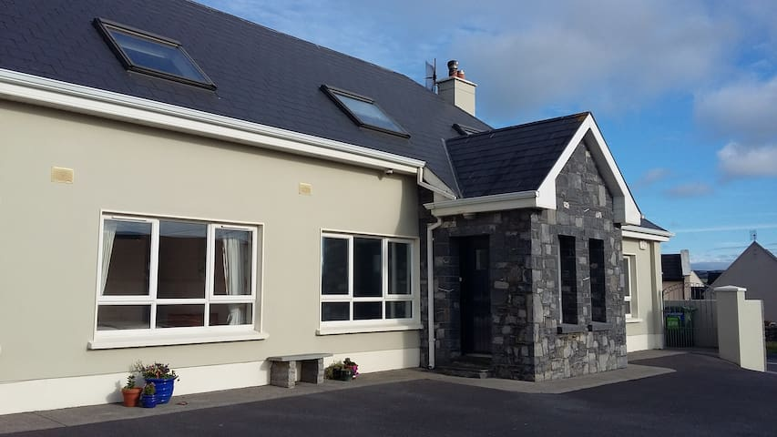 "Clairhouse ""Dun Ard"" 1 - Lahinch - Szoba reggelivel"