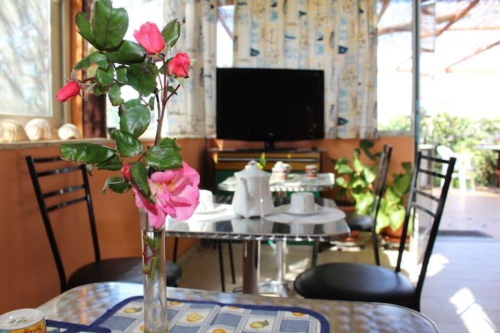 AL CARRUBO - Punta Secca - Bed & Breakfast