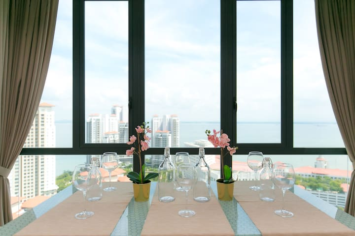 Luxurious Ocean View 3BRs for 10-16 pax  @全海景套房
