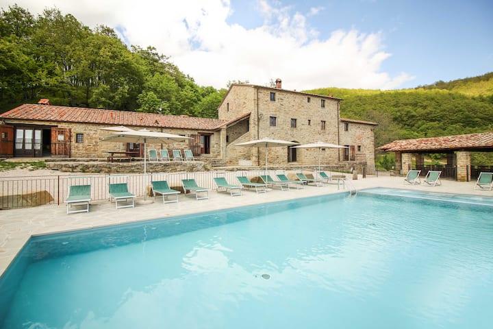 Santarsa, Villa without neighbors!