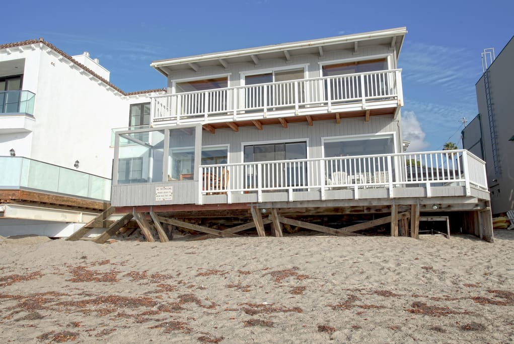 Share the holidays in malibu houses for rent in malibu for Malibu mansions for rent