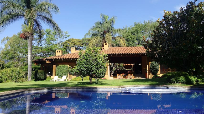 Casa con espectaculares vistas en Malinalco - Malinalco - Casa
