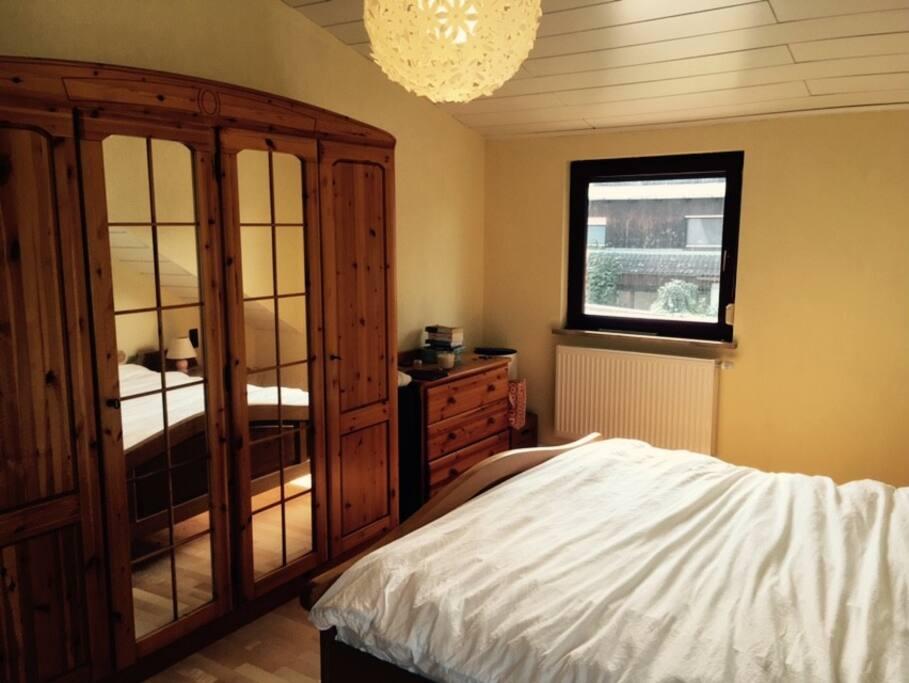 Das groessere Schlafzimmer - Bett 180x200cm