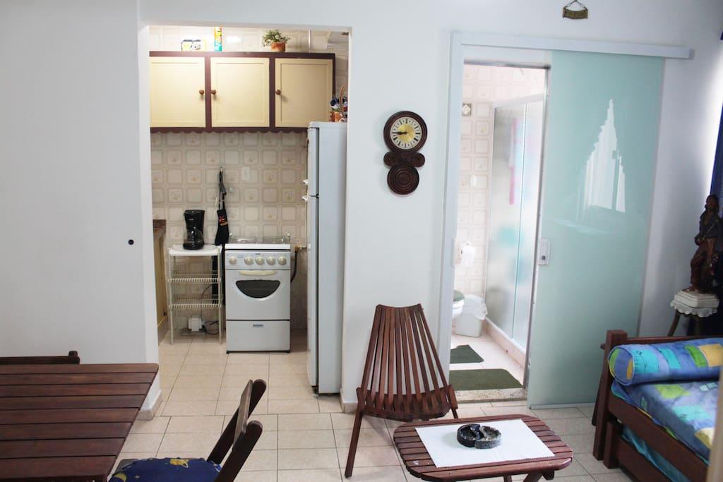 Sala / Cozinha / Banheiro