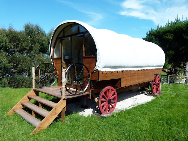 Colonial Wagon + Sleep-out