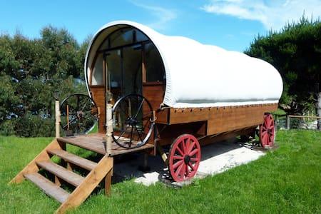 Colonial Wagon + Sleep-out