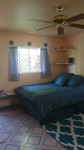 Comfy Cozy and Central Studio - Corvallis - Daire