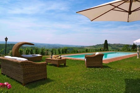Tuscan Villa sleeps 20 private pool - San Martino A Maiano - Villa