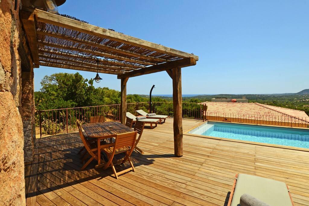 Maison en pierre vue mer piscine priv e chauff e for Constructeur de maison en bois en corse du sud