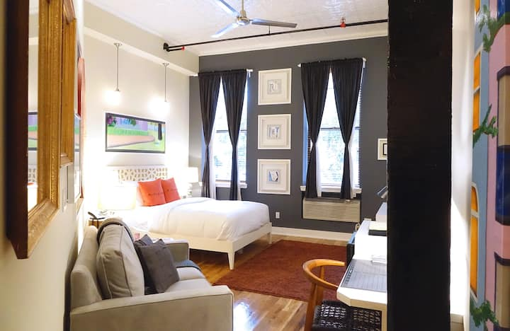 Studio Loft in Greenpoint, Brooklyn