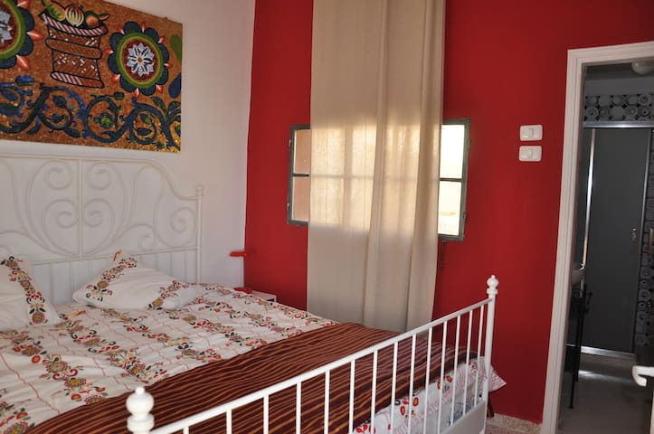 Charming gueshouse Mosaic Room - Sebastia - Bed & Breakfast