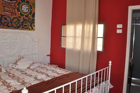 Charming gueshouse Mosaic Room - Sebastia - Bed & Breakfast