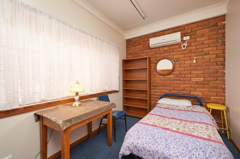 Central Wagga Homestyle Bed and Breakfast - BR 4