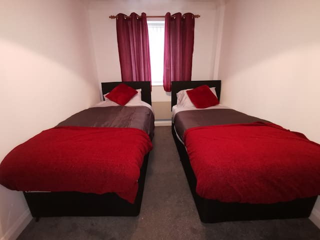 Salford Quays media city for Groups (sleeps 6)
