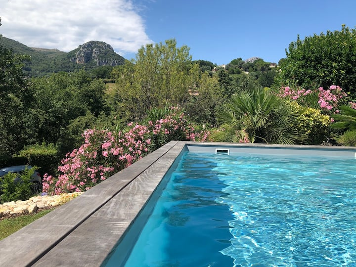 RDJ 85m2 calme,  piscine. 10mn de St Paul de Vence